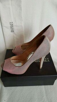 Badgley Mischka Rose Gold Pumps size 10 Toronto, M8W 4G3