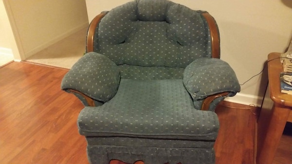 Williamsburg Blue Early American Style Sofa Loveseat And Overstuffed Armchair