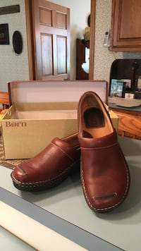 Born brand shoes,size 7.  Great for those who stand and/or walk a lot Nazareth, 18064