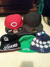 New never worn beanies & Used fitted caps San Antonio, 78240