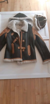 Ladies medium sheepskin jacket, two toned, perfect condition