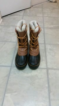 pair of brown leather boots Mississauga, L4Z 3E9