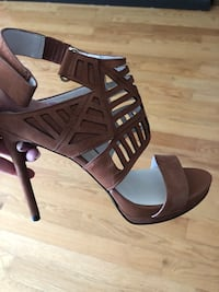 Kenneth Cole cutout sandals Vaughan, L4H 0M9