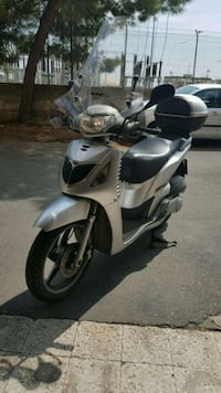 Scooter sh150 Catania, 95123