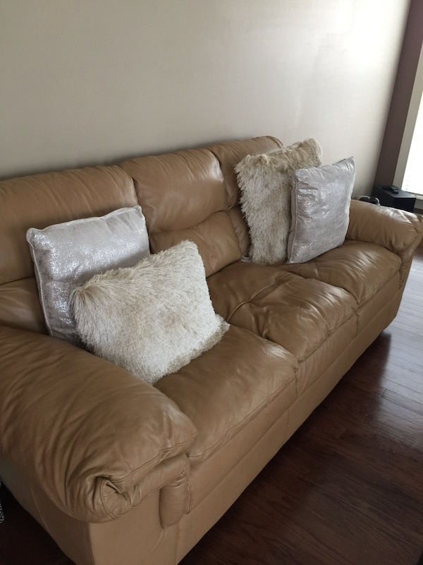 Awe Inspiring Brown Leather 3 Seat Sofa Set Without Pillows Contact Me If Interested Machost Co Dining Chair Design Ideas Machostcouk