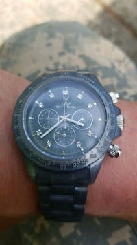 round black chronograph watch with black strap Portland, 97233