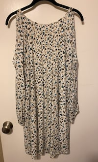 Old Navy Blue Floral Dress with Cutout Sleeves Walnut Creek, 94597