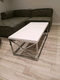Coffee table  Burlington, L7L 3T4