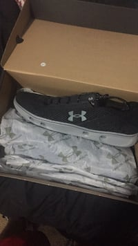Under armour size 10.5  Windsor Mill, 21244