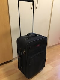 "Carry-on by Globetrotter, 22"" x 8 1/4"" x 14"" - $25 Mississauga, L5L 5P5"