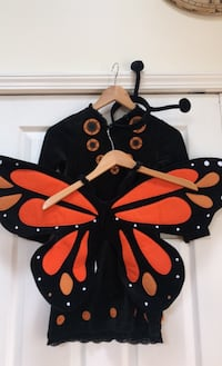 Pottery barn monarch butterfly girls costume Size 4/6 Westtown, 10933