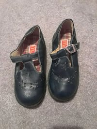 pair of black leather shoes Pawtucket, 02860
