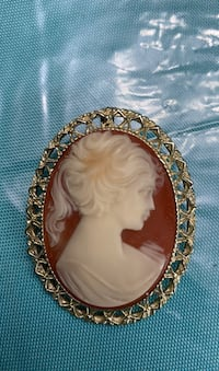Cameo faux brooch pin Springfield, 22153