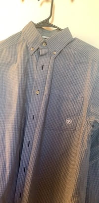Ariat button up size S  Tulare, 93274