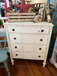 Vintage shabby chic farmhouse chest of drawers Monroe, 30655