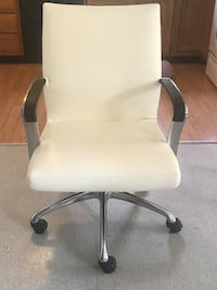 white leather padded rolling armchair Denver, 80219