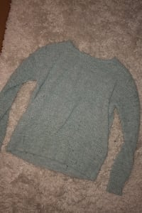 Distressed American Eagle Sweater Elizabethtown, 17022