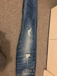 Boyfriend jeans - size 2 us Greater Vancouver, V6S