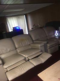 white leather 3-seat recliner sofa Annandale, 22003