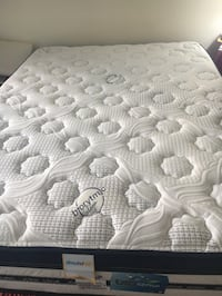 queen mattress, box and frame Lake Arbor
