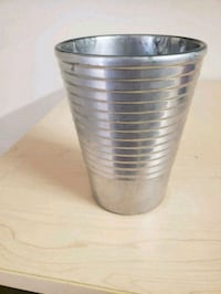 stainless steel container with lid Toronto, M1N 3P5