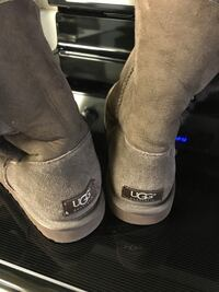 pair of gray UGG boots Tuscola, 61953