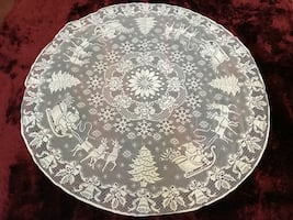 Round christmas lace table topper (5 photos)