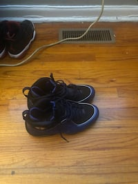 Nike 1/2 cents ... 9.5 Columbia, 21045