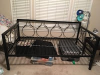 Metal frame day bed