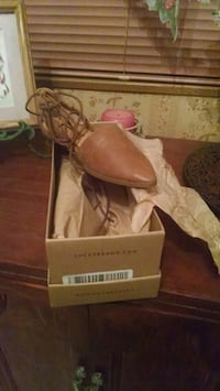 Brand New Still In Box Lucky Brand Women's Sandals Tallahassee, 32305