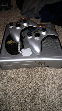 Halo Reach Edition xbox 360 console with controller Waukee, 50263