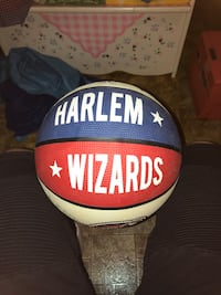 Autographed Harlem Wizards Basketball Great Neck, 11023