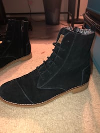 Toms boots  Saint Charles, 63304