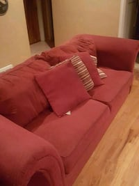 Full size red couch with loveseat set St. Louis, 63110