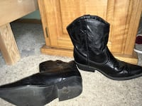 pair of women's black leather mid-calf cowgirl boots Post Falls