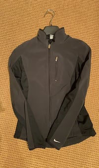 Nike XS running jacket - womens West Vancouver, V7T 1P6