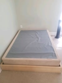 Queen bed frame and box spring Baltimore, 21224