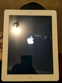 iPad 2 for parts (activation lock) Toronto, M9M 0A4