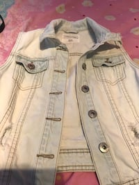 Sleeveless jeans jacket  Kitchener, N2G 0B9