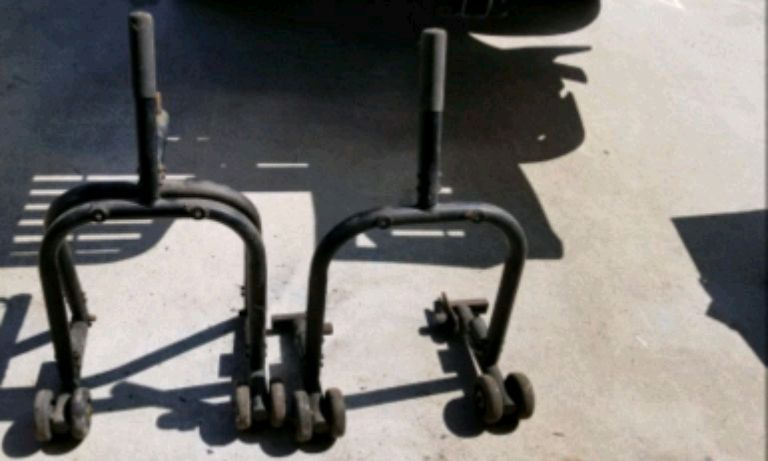Photo Crotch rocket motorcycle stands