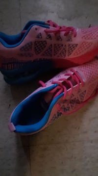 fashion(thats the brand) Pink runners