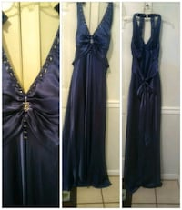 Long navy blue dress with train and bow  Hubert, 28539