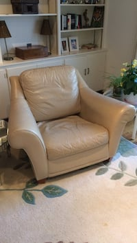 Beige leather club chair North Castle, 10504