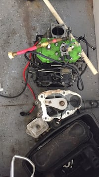 black and green car engine