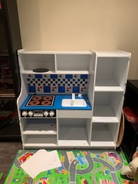 Melissa & Doug Kitchen set