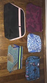 Assorted zippered makeup bags/clutches/purses- New! Arlington, 22202