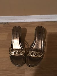 pair of brown leather open-toe sandals Brampton, L6X 2L6