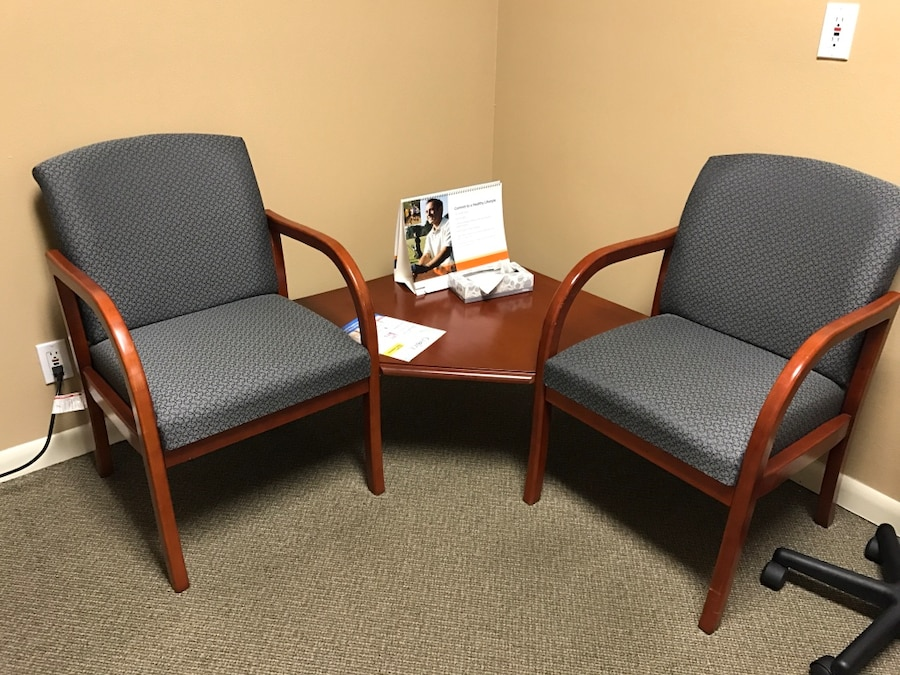 used office furniture corner chairs for sale in ocala letgo rh us letgo com