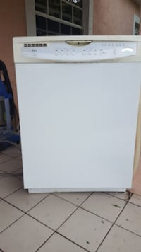 white Whirlpool electric dishwasher Miami, 33155