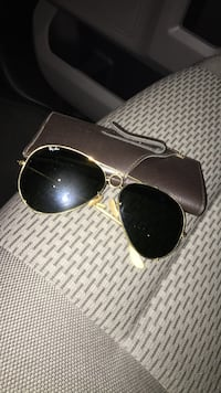 gold-colored framed Ray-Ban aviator sunglasses Charles Town, 25414
